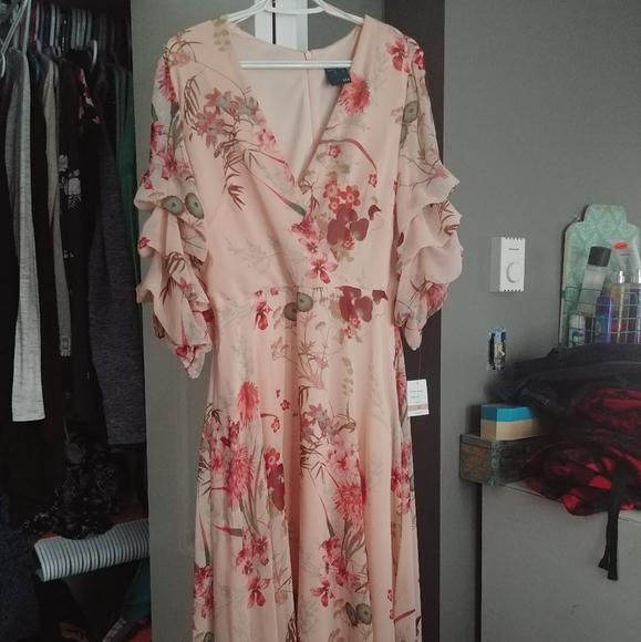 NWT Gabby Skye dress size 12